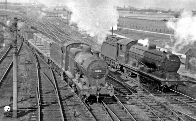 Contrasting 0-6-0s at Whitemoor Junction, March