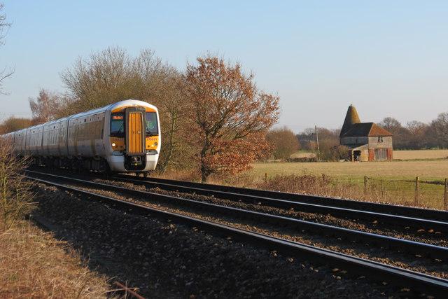 Train approaching Headcorn