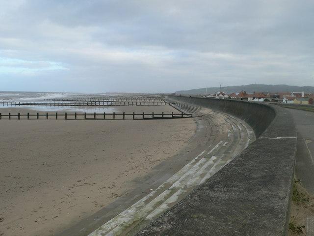 The sea wall, Rhyl