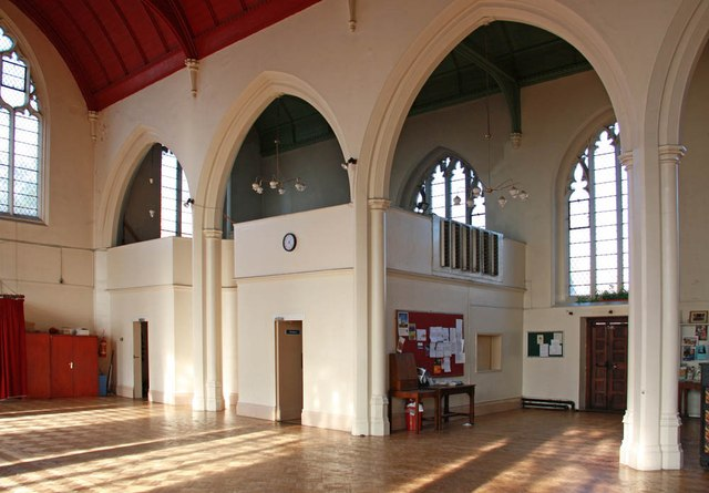 St Barnabas, Browning Road, Manor Park - Interior