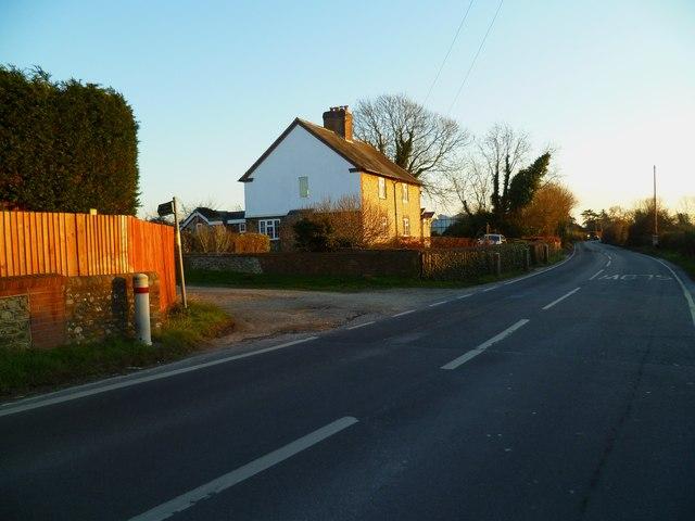 Bridleway junction on Vinnetrow Road