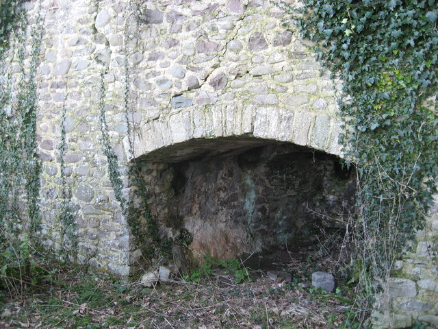 Disused Lime Kiln at Gore Point