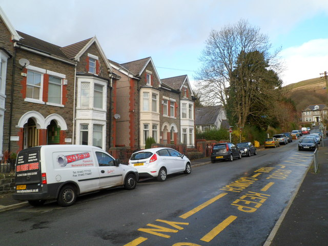 Houses on the west side of Glyncoli Road, Treorchy