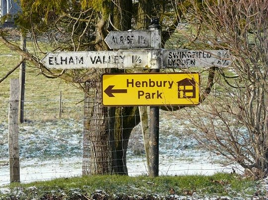 Signpost near Rakesole Farm