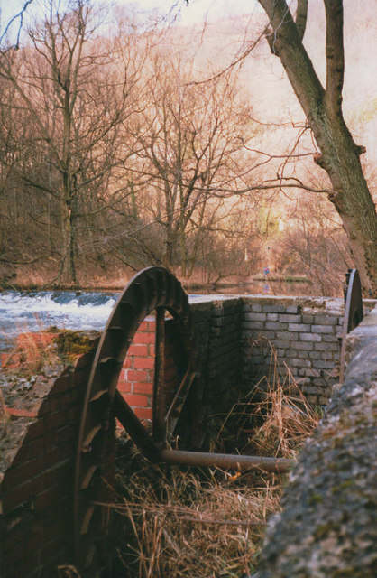 Abandoned millwheel in Millersdale