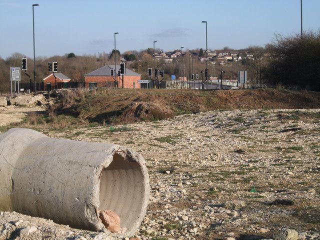 Road linking Wichelstowe to Wootton Bassett under construction