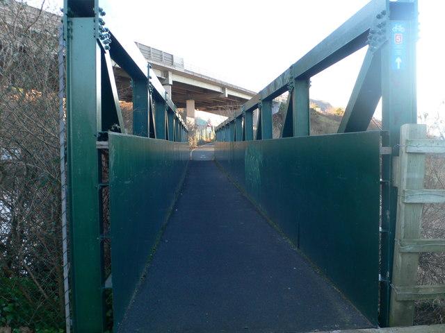 Footbridge over the railway near Llanddulas Jetty