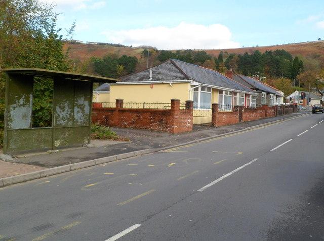 Princess Louise Road bungalows, Llwynypia