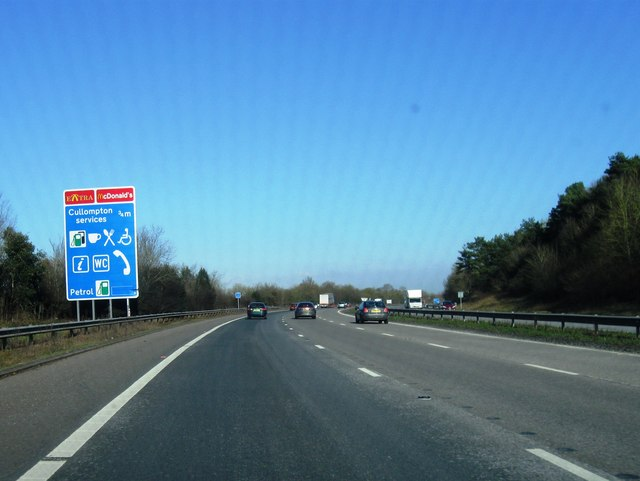Approaching Cullompton Services, M5