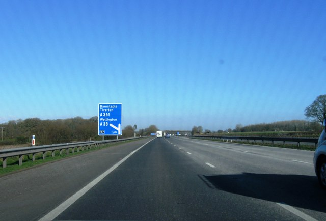 Approaching junction 27, M5
