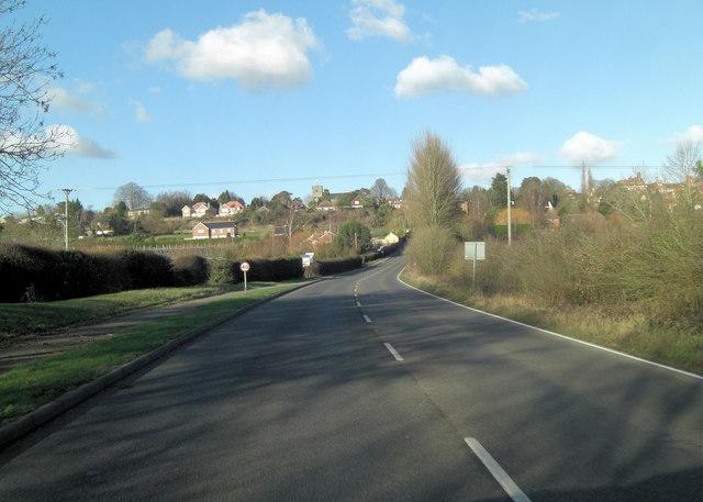 A274 heads towards Sutton Valance