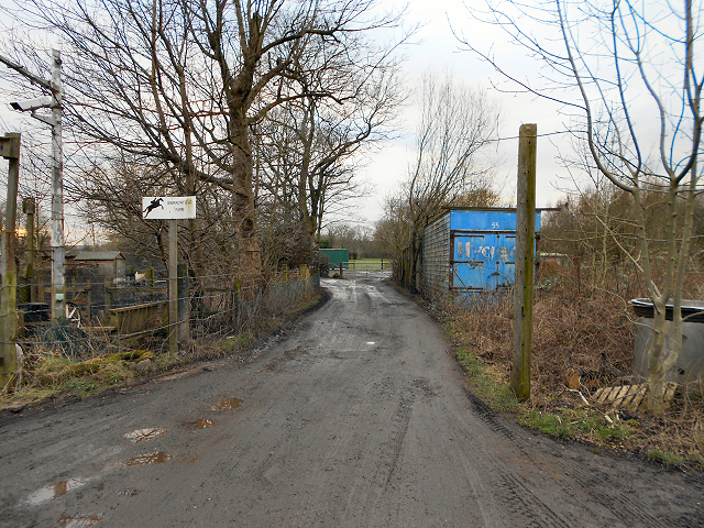 Entrance to Barrowfield Farm
