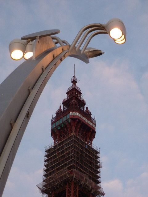 Blackpool: Comedy Carpet lamps come on