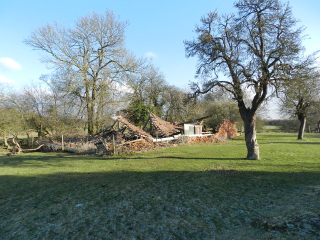 Ruined barn at Sagebury Farm