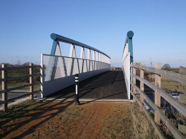 M4 footbridge near South Leaze Farm