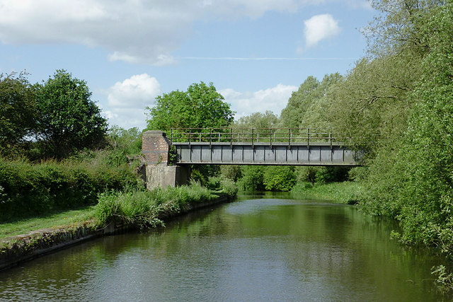Former railway bridge south of Penkridge, Staffordshire