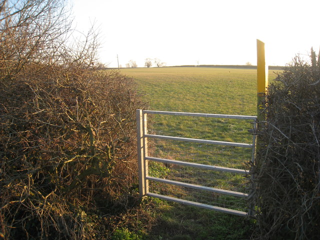 The beginning of the footpath to Waltham Lane
