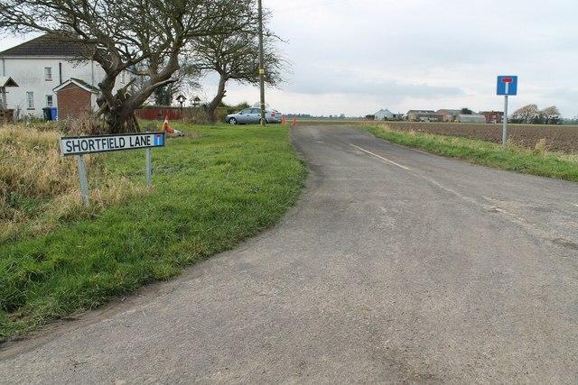 Entrance to Shortfield Lane