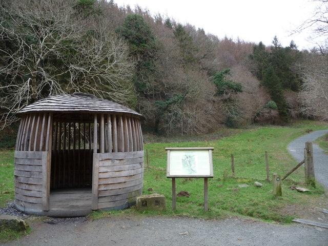 Round hut on the path to Aber Falls