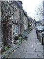 SP2512 : Burford Pavement by Gordon Griffiths