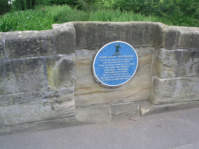 Wentbridge, cut bench mark and blue plaque
