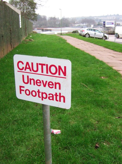 Uneven footpath, Woodland Road