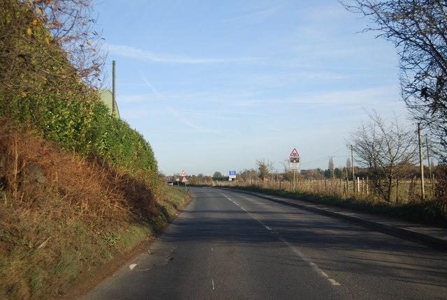 Shalloak Rd approaching Broad Oak Crossing