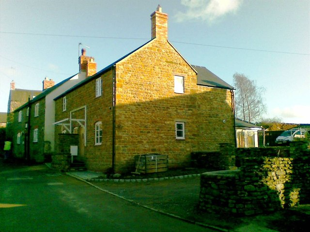 New House, Glovers Lane