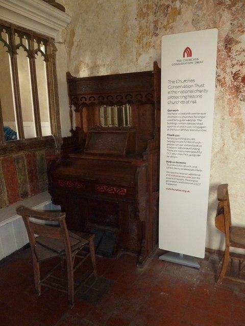 A December visit to St Nicholas Church, Freefolk (o)