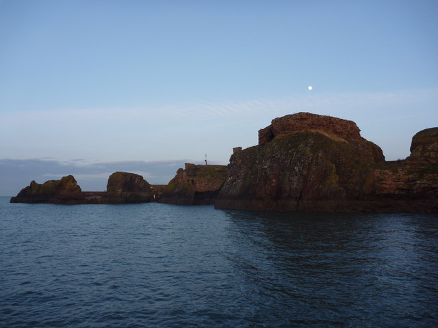 Coastal East Lothian : Dunbar Castle and Harbour Entrance