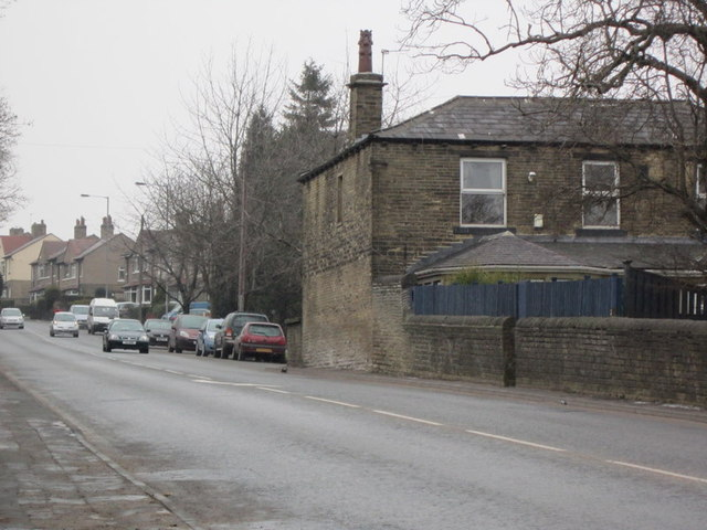 Houses on Cleckheaton Road towards Odsal Top