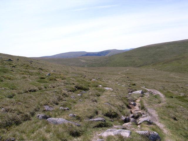 Path across the White Mounth