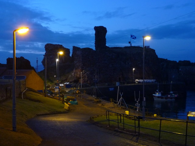 Coastal East Lothian : Dunbar Castle