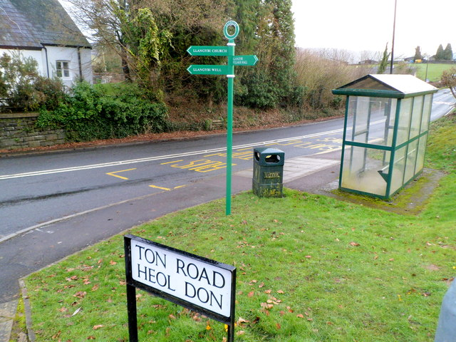 Recently-installed signs, Llangybi