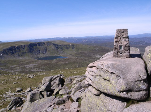 Summit of Cac Carn Beag (Lochnagar)