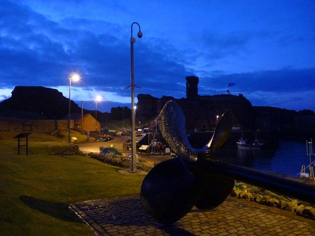 Coastal East Lothian : Propeller at Victoria Harbour, Dunbar