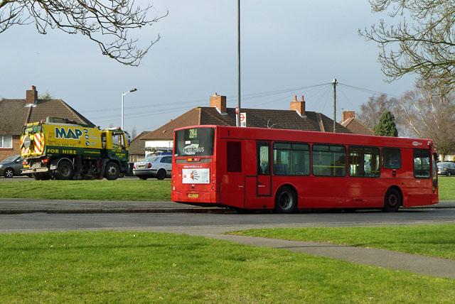 284 bus at Grove Park Cemetery terminus
