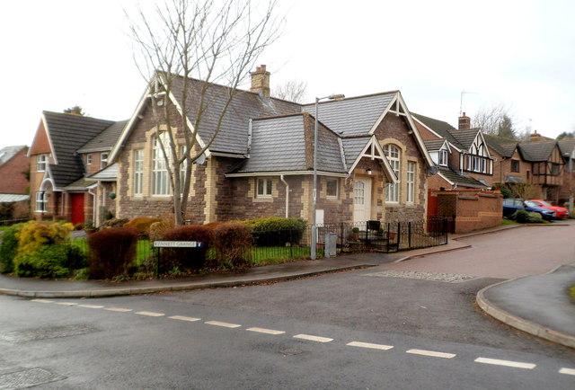 Corner house, Kennett Grange, Llangybi