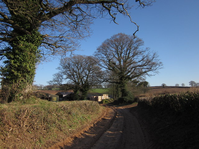 Approaching Highwood's Farm