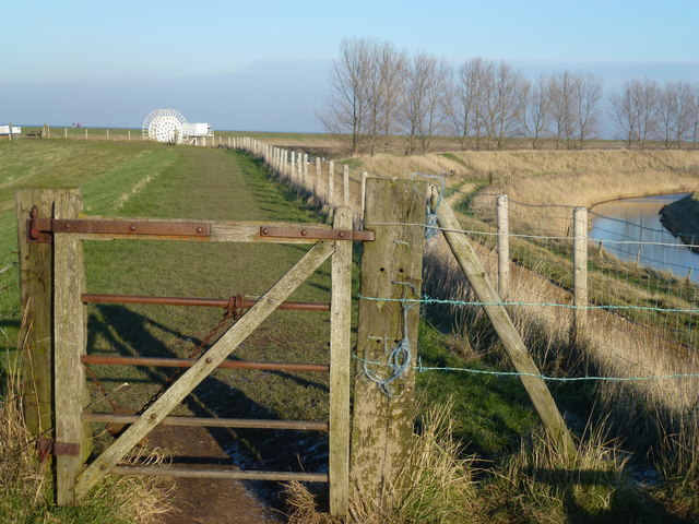 Gate on the footpath near Sir Peter Scott's lighthouse