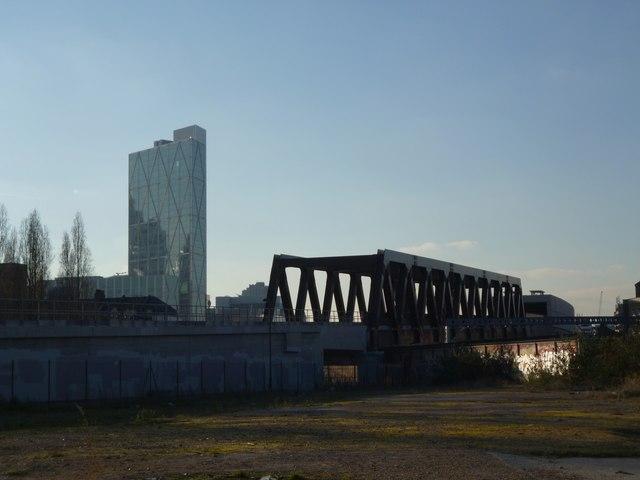 New bridge and building, Bratley Street E2