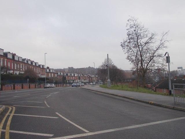 Burley Road - looking towards Leeds from Cardigan Road