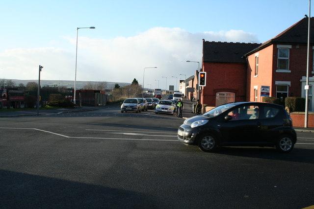 Disappearing mini-roundabout