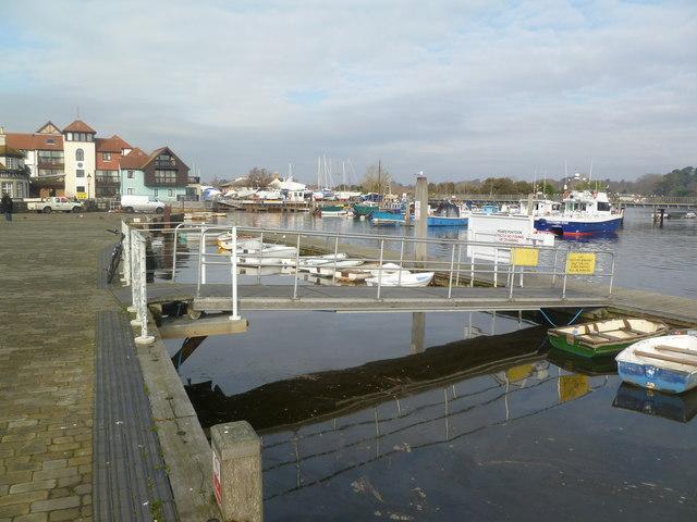 Lymington, pontoon