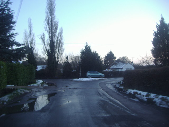 Netherhall Road approaching Sedge Green