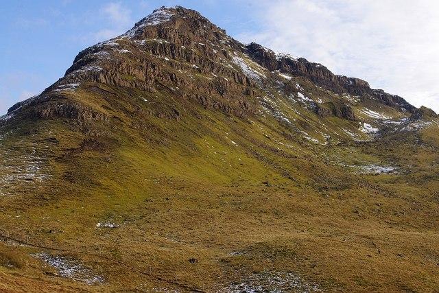 The North West spur of Beinn Iadain