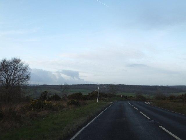Minor road crossing B3192