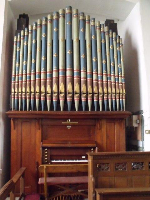 Organ in St Peter's church, Doddington