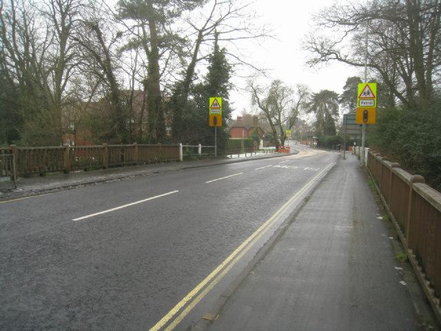 Reading Road bridge - Fleet