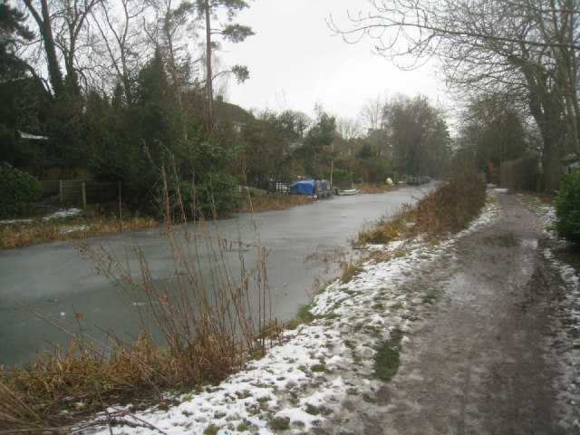 Cold conditions by the canal